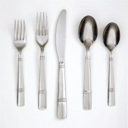 Cambridge Braylen 62 Piece Flatware Set with Oak Tray